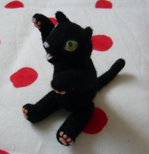 黒猫(招き猫仕様)